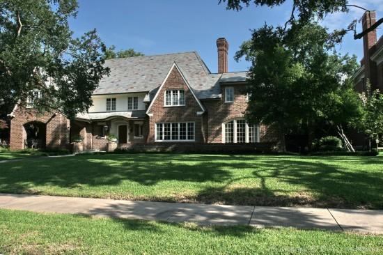Home in Highland Park - 3910 Gillon Avenue