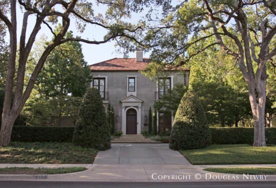 House in Highland Park - 3900 Euclid Avenue