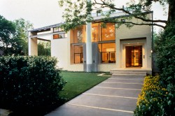 Highland Park Home sitting on 0.38 Acres