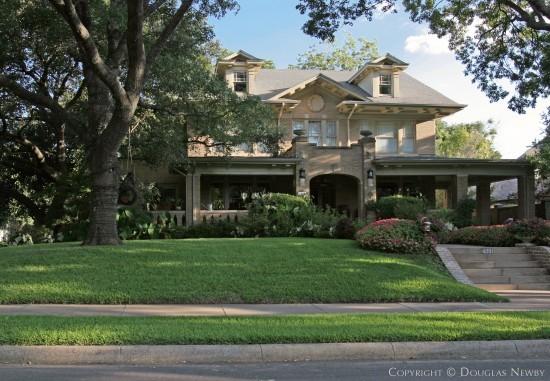 Home in Highland Park - 4001 Miramar Avenue