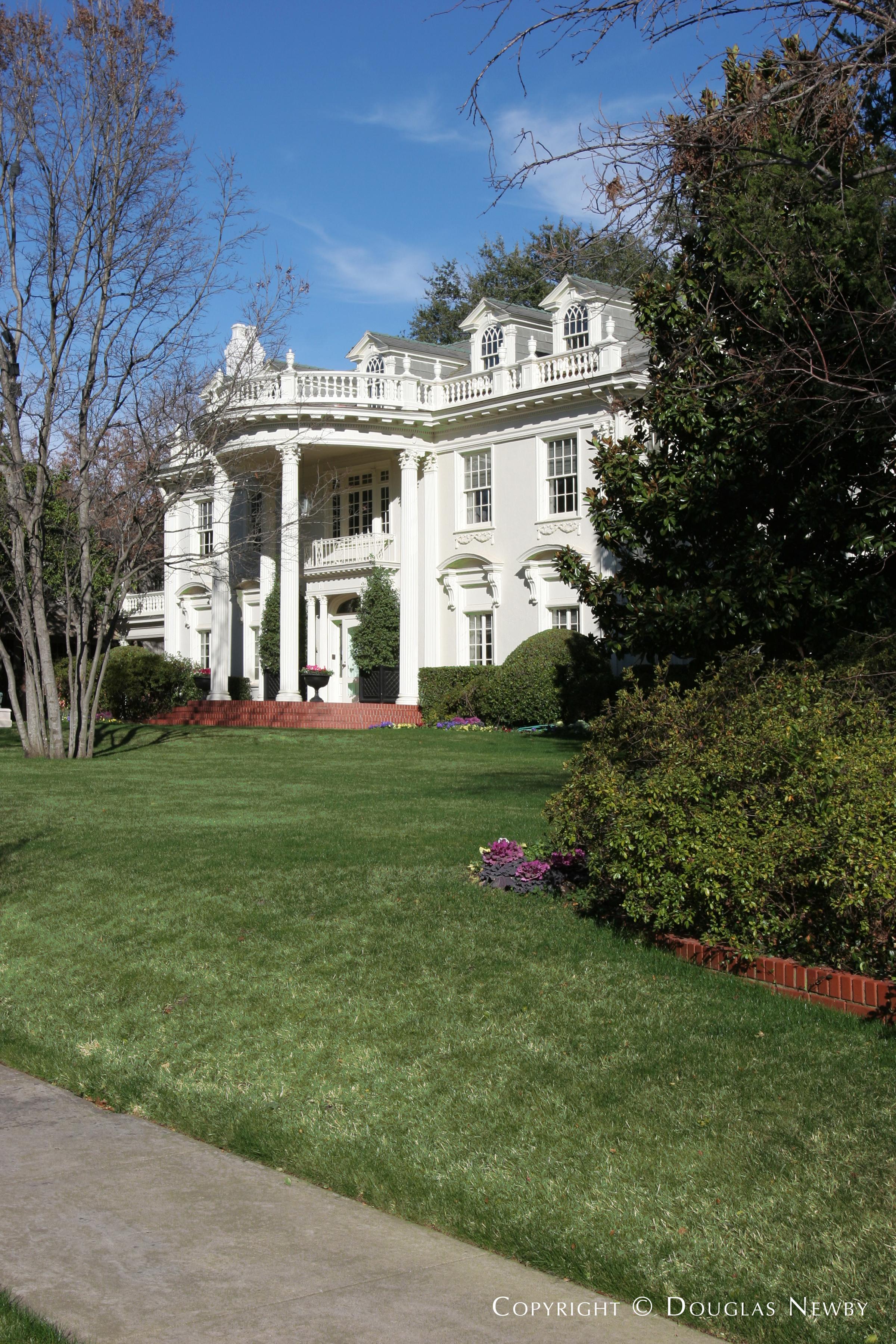 Highland Park Home sitting on 0.76 Acres