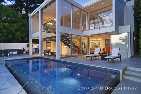 Modern home in los angeles designed by architect lm studio for Contemporary homes los angeles