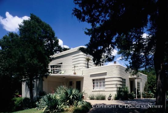 Residence in Kessler Park - 1302 Cedar Hill Avenue