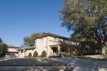 Real Estate in Highland Park - 4200 Fairfax Avenue