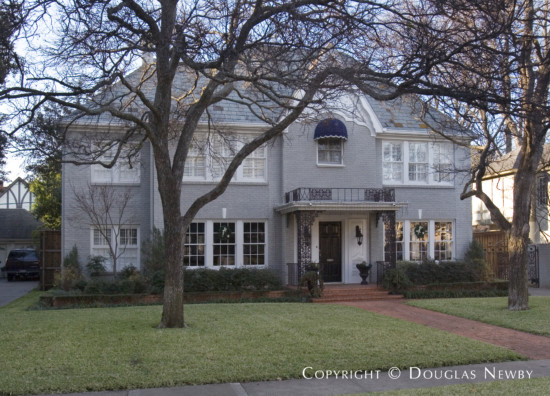 Residence in Highland Park - 4315 Beverly Drive