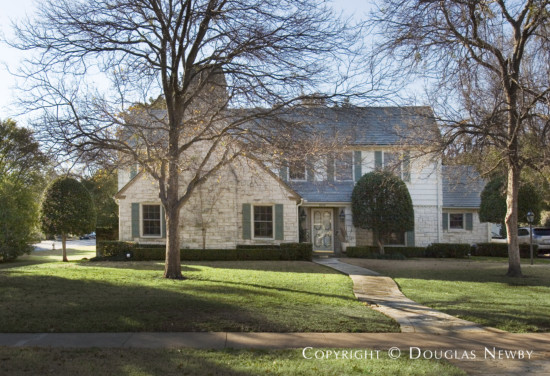 Residence Designed by Architect Hal O. Yoakum - 4201 Versailles Avenue