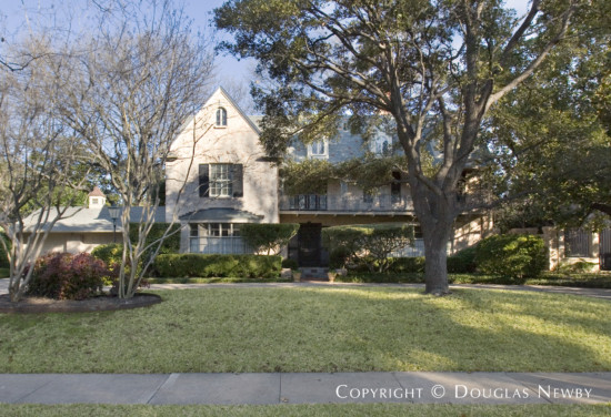 Residence in Highland Park - 4328 Versailles Avenue
