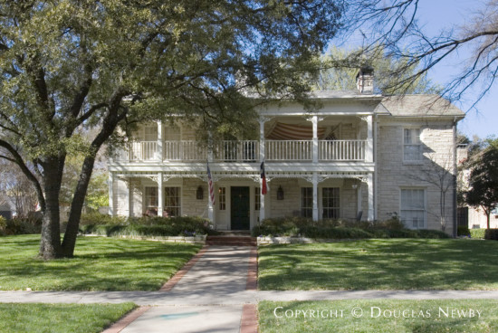 Home in Highland Park - 4420 Lorraine Avenue