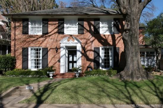 Residence in Highland Park - 4520 Lorraine Avenue