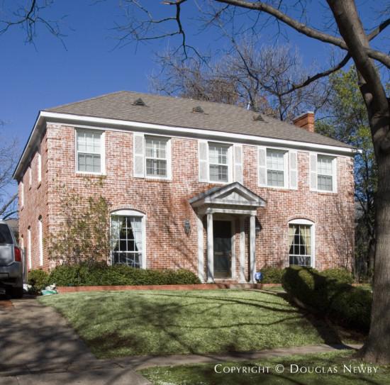 Residence Designed by Architect Fonzie E. Robertson - 4556 Lorraine Avenue
