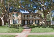 House Designed by Architect Goodwin & Tatum - 4430 Arcady Avenue