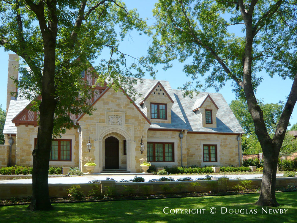 Devonshire Neighborhood Architecturally Significant Home