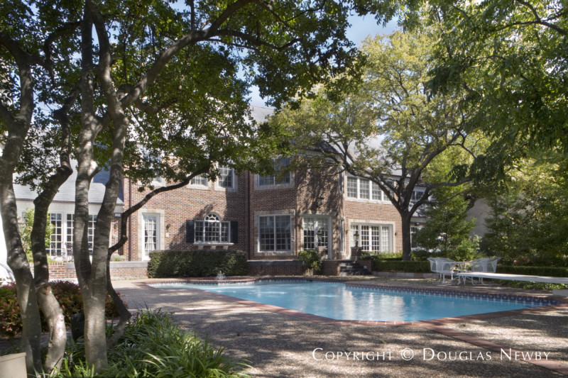 Georgian Preston Hollow Real Estate