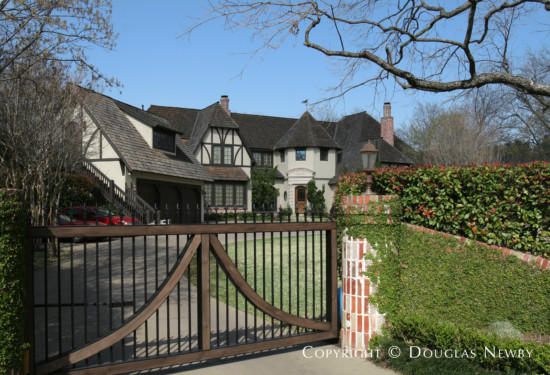Estate Home in Preston Hollow - 5015 Brookview Drive