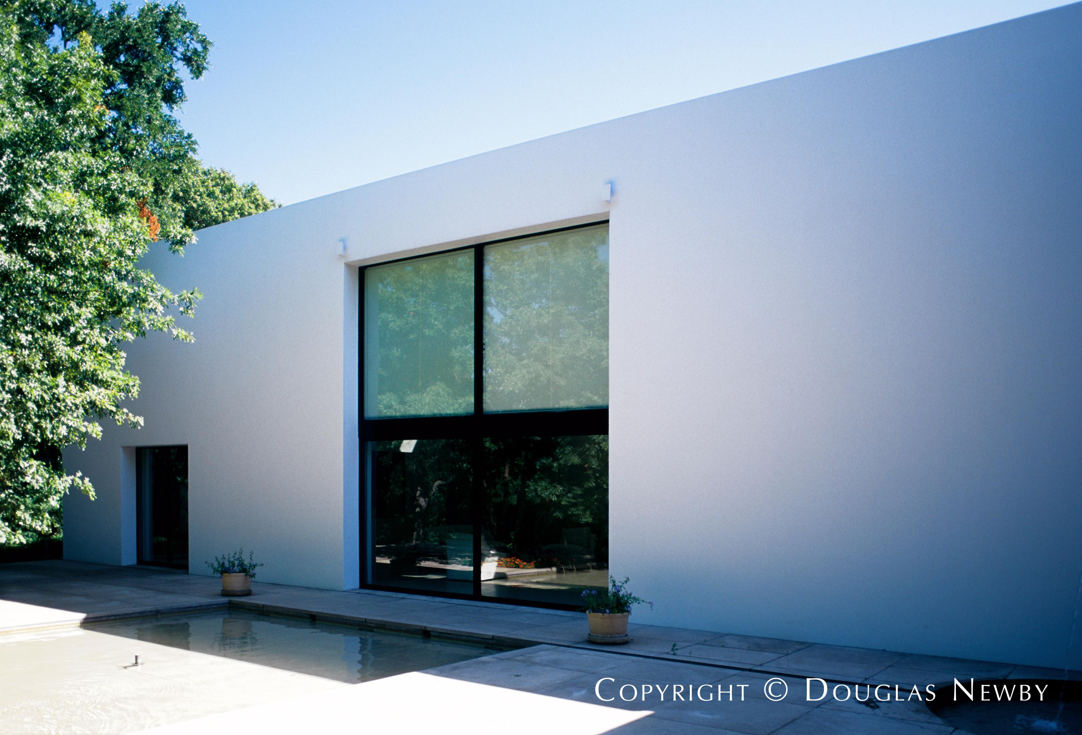 Architect Edward Larabee Barnes Designed Home in Preston Hollow