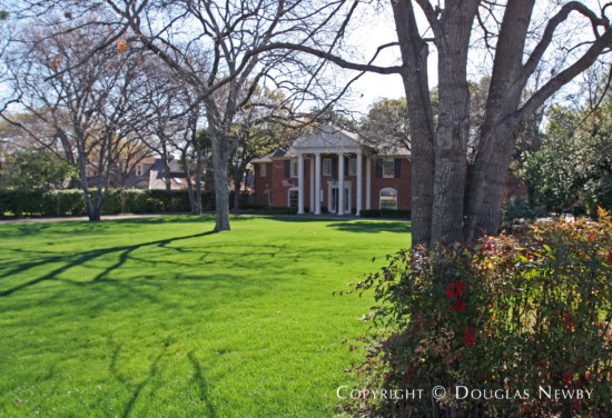 Estate Home in Preston Hollow - 9930 Rockbrook Drive
