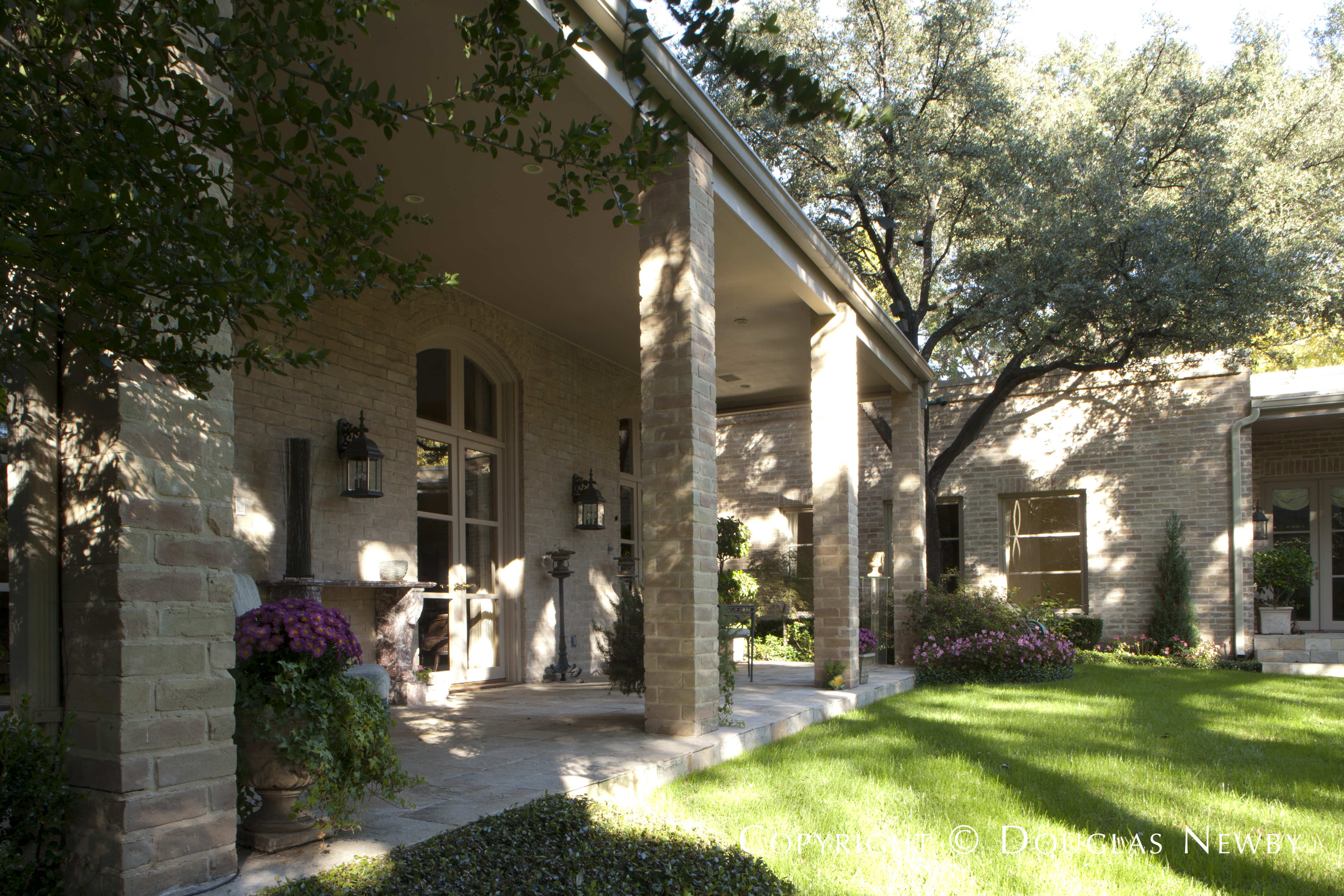 Preston Hollow Renovated Home sitting on 0.392 Acres