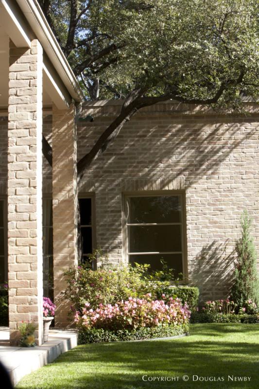 Robbie Fusch Renovated Designed Home in El Parado