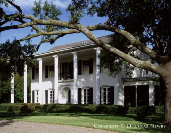 Estate Home in Preston Hollow - 5931 Desco Drive