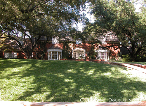 Estate Home in Preston Hollow - 4955 Wedgewood Lane