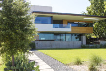 Cliff Welch Designed Home in Peninsula Neighborhood