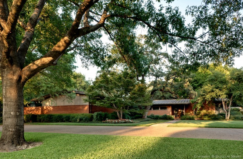 Mid-Century Modern Preston Hollow Real Estate