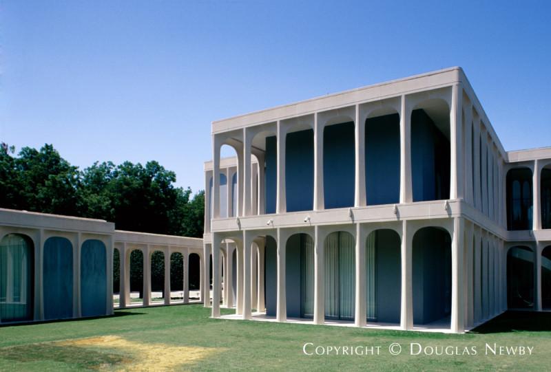 Philip Johnson Designed Home in Strait Lane
