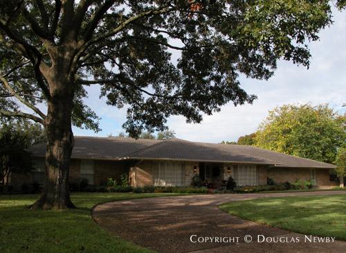 House in Preston Hollow - 4516 Dorset Road