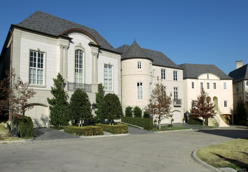Place des Vosges Neighborhood Home