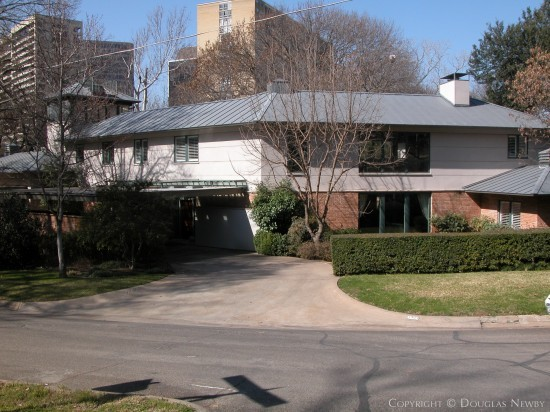 House in Turtle Creek Corridor - 3909 Stonebridge Drive