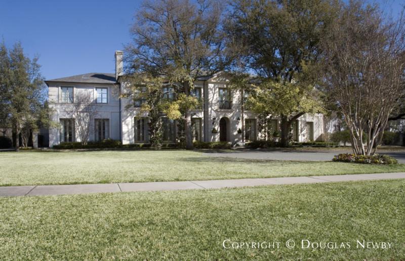 Troth's Addition Neighborhood Home