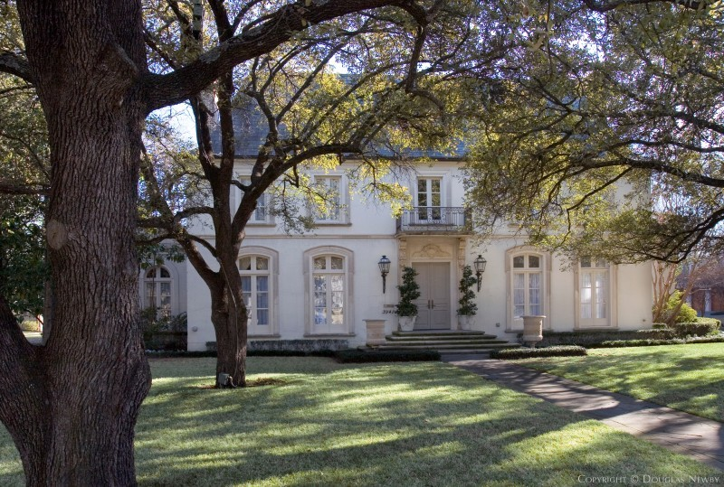 University Park Home sitting on 0.54 Acres