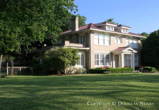 Home in Swiss Avenue - 4902 Swiss Avenue