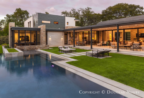 On This Sunnybrook Estate Lot, SHM Architects Have Deftly Designed A Very Stylish  Modern Estate Home Capturing Beautiful Views Of The Pool And The Property.