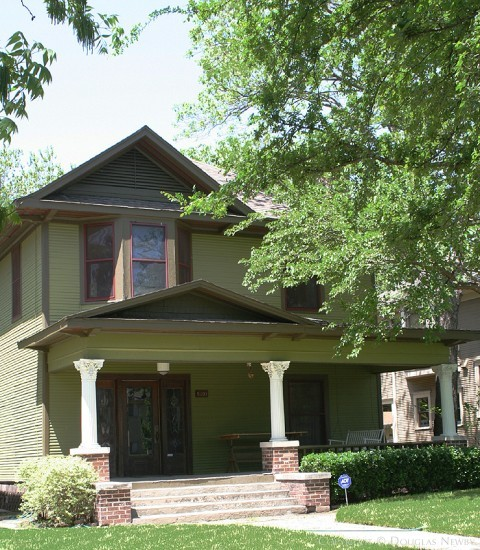 Home in Munger Place - 5101 Reiger Avenue