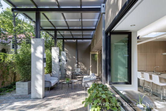 Dan Shipley designed the renovation of this modern Highland Park home.