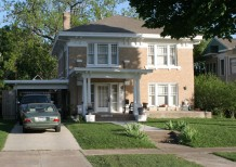 Residence in Munger Place - 5208 Tremont Street
