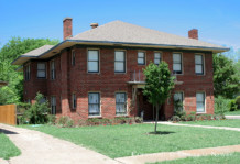 Duplex in Munger Place - 5211 Tremont Street
