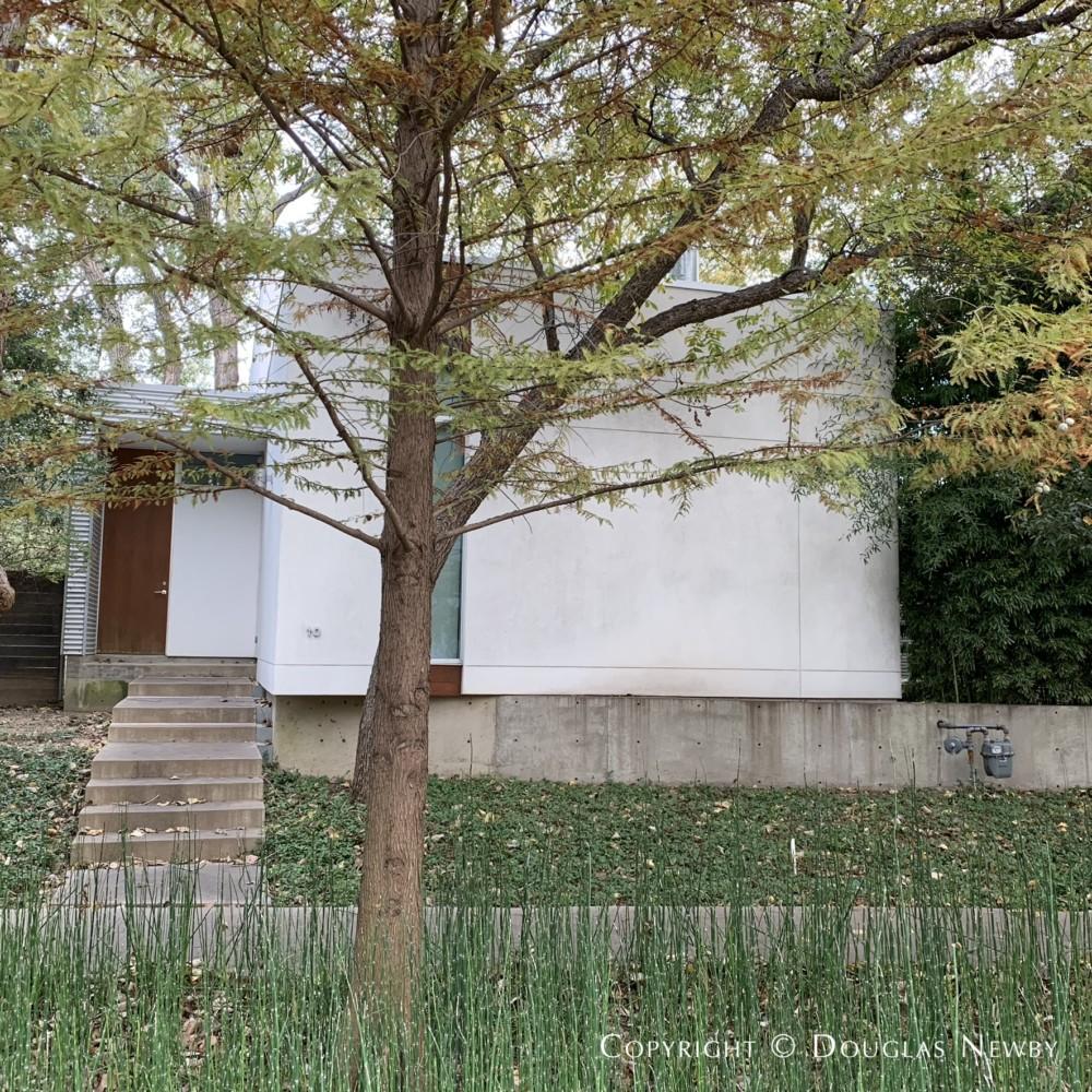 Contemporary Home Urban Reserve Neighborhood Designed by Architect Maria Gomez