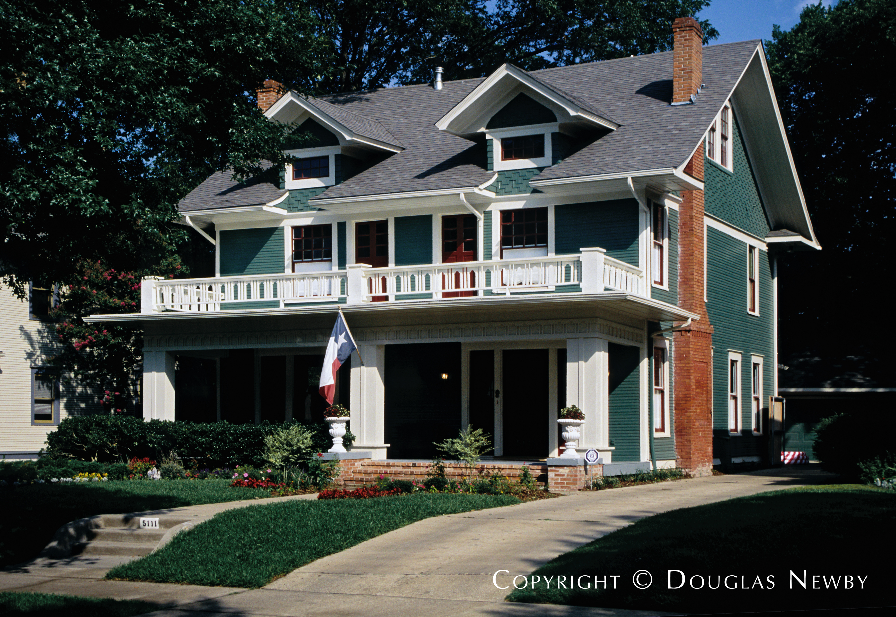 dallas eclectic architecture the first prairie style home frank lloyd wright designed was in river forest illinois in 1893 this winslow house is much closer in mass and style than