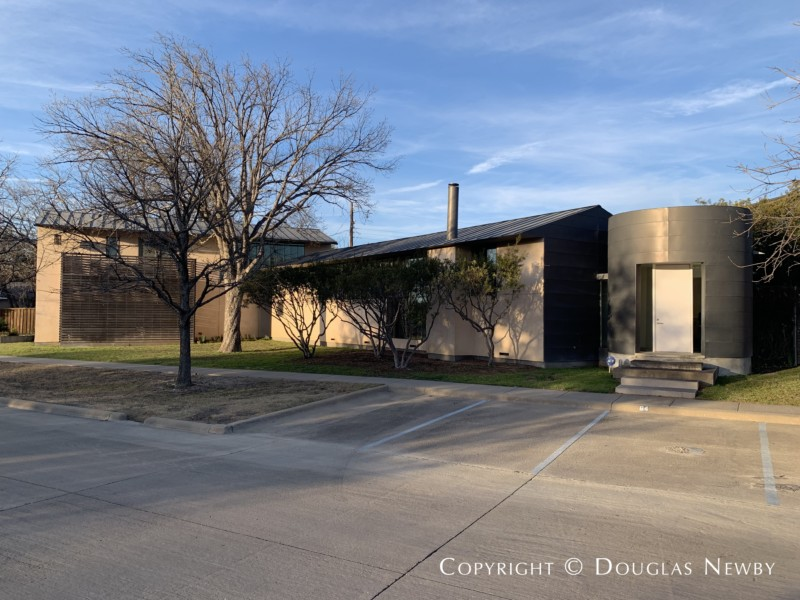 Architect-Designed by Max Levy, Modern Residence, 64 Vanguard Way in Urban Reserve Neighborhood of East Dallas